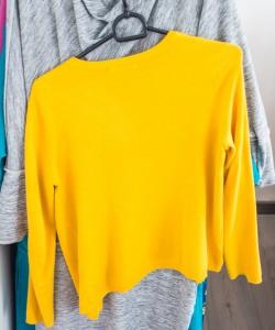 geltonas megztinis
